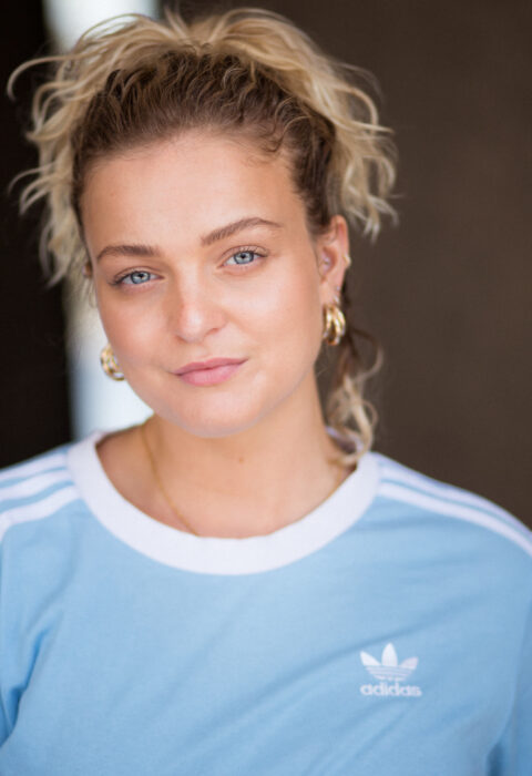 Evie Golding 03